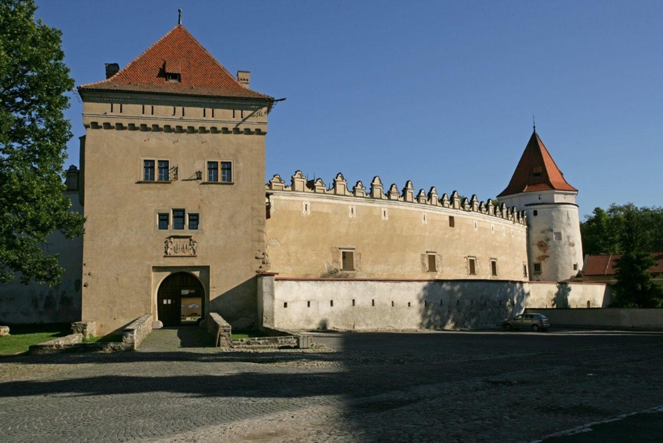 Výsledok vyhľadávania obrázkov pre dopyt kezmarsky hrad