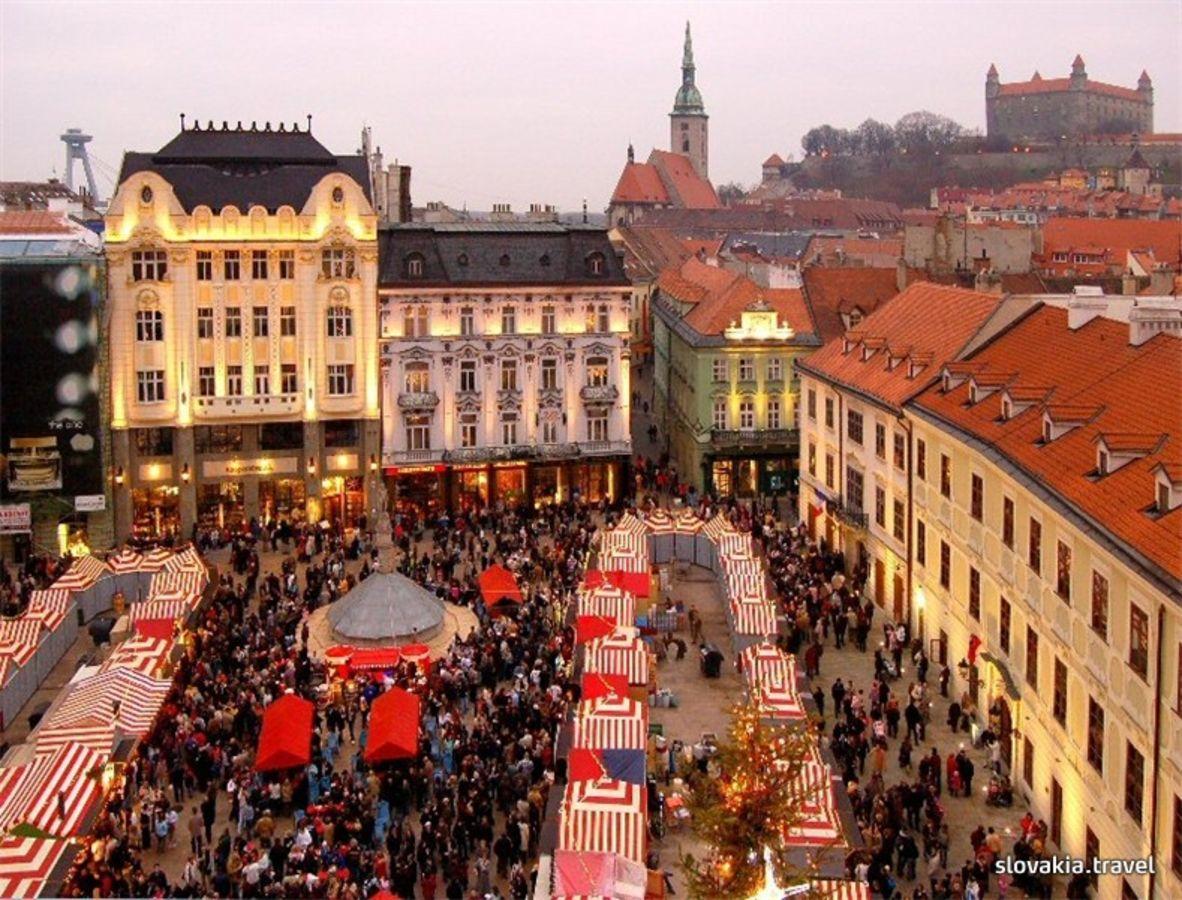 ff7351c33 Bratislavské vianočné trhy (november, december) - Slovakia.travel